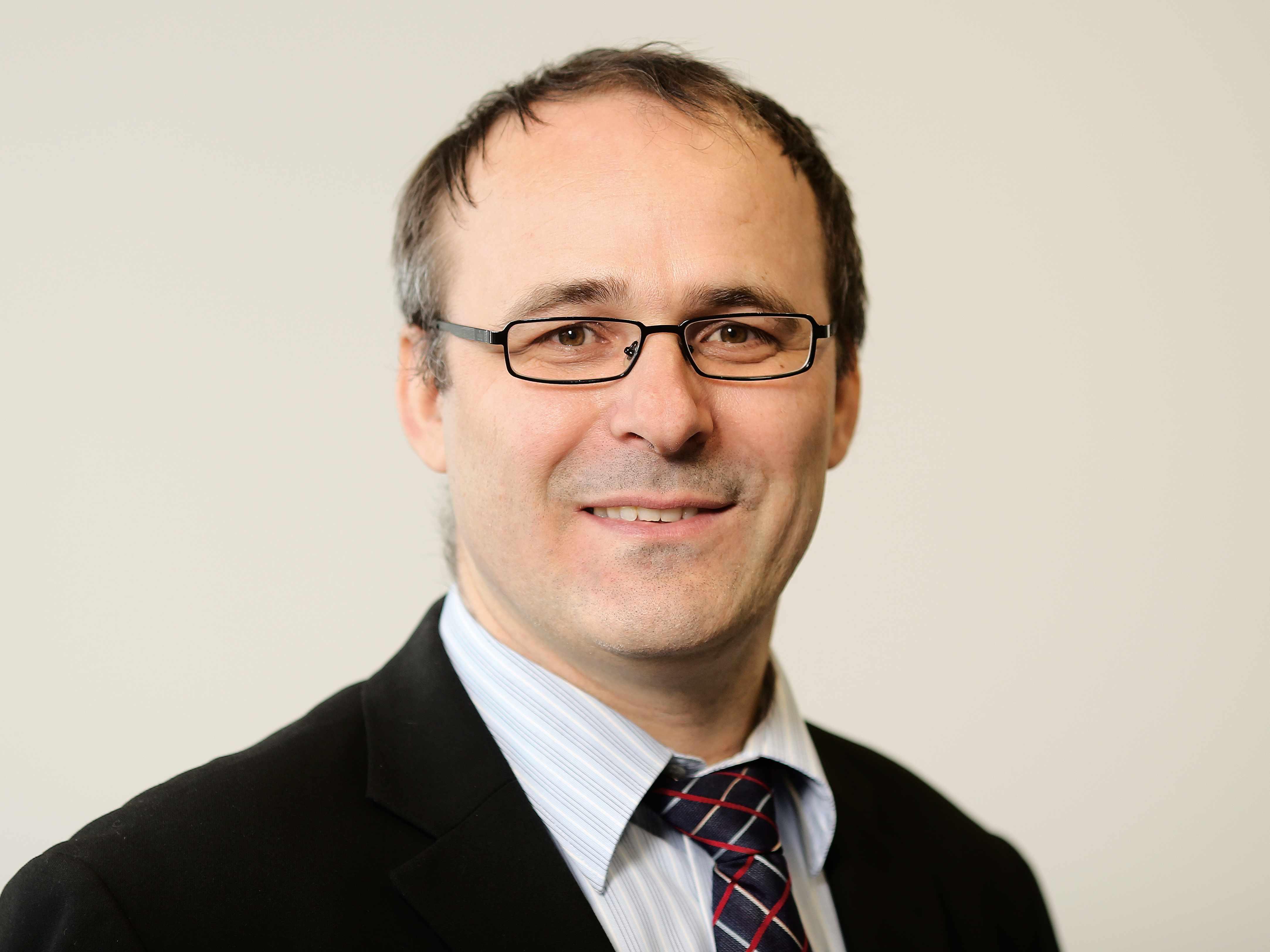 Prof. Dr. Hasan Smajic 1 - pangea   mentoring - programm