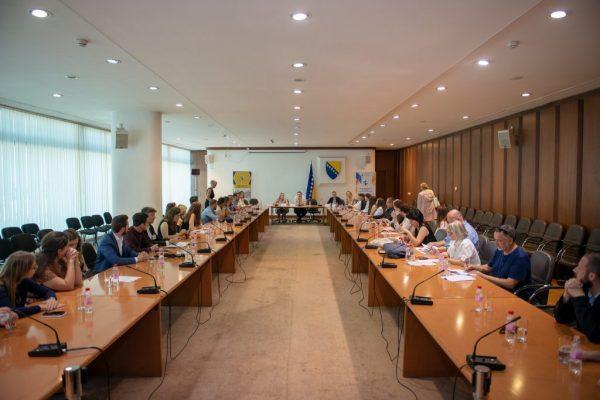 48125685281 c30a0be527 k 1024x684 600x400 - Druga konferencija dijaspore iz BiH pod nazivom 'Mladi i BiH: Koračajmo zajedno'