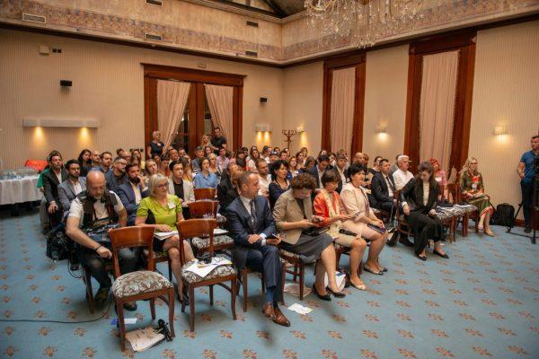 48125700686 efd0692466 k 1024x684 600x400 - Druga konferencija dijaspore iz BiH pod nazivom 'Mladi i BiH: Koračajmo zajedno'