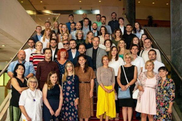 Parlament Konferencija 768x420 600x400 - Druga konferencija dijaspore iz BiH pod nazivom 'Mladi i BiH: Koračajmo zajedno'