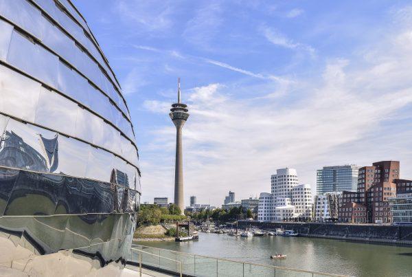 architecture 4510529 1920 600x403 - Düsseldorf: BH Professionals Networking Meetup - 20.10.2019
