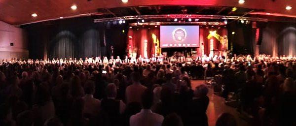 Noć BiH intonacija himni Stadthalle Offenbach V2 600x256 - Impresije - Noć Bosne i Hercegovine, 26.10.2019 u Offenbachu