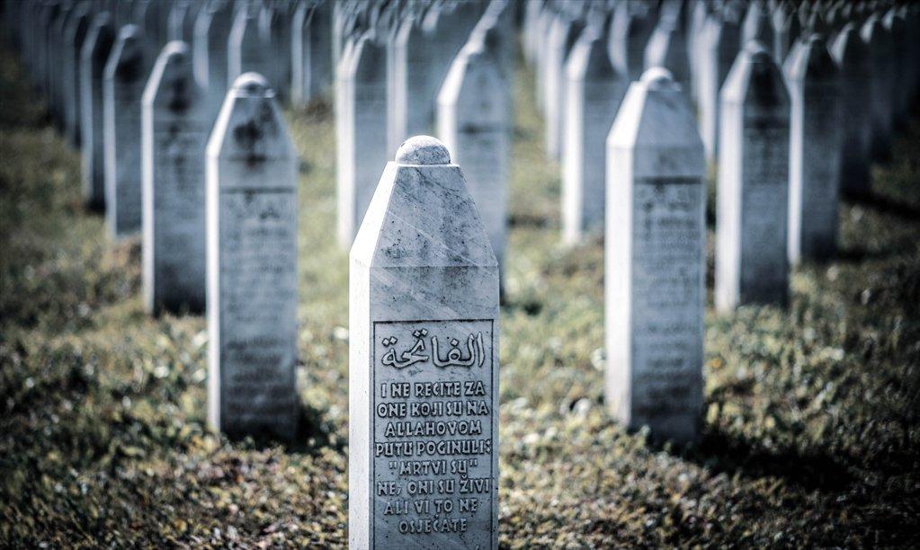 """Buchveröffentlichung """"Voices from Srebrenica"""" –  Donnerstag, 14. Januar 2021"""